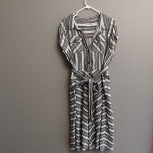 Cap sleeve gray & white dress w/ belt